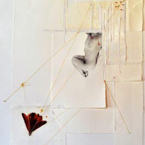 10 TRASUMANARAR 2021 - 40 x 40 cm - foto su carta cotone- fiore essicato - patchwork carta cotone su tela- filo oro - perlne murano . -