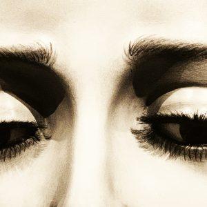 2 occhi copia